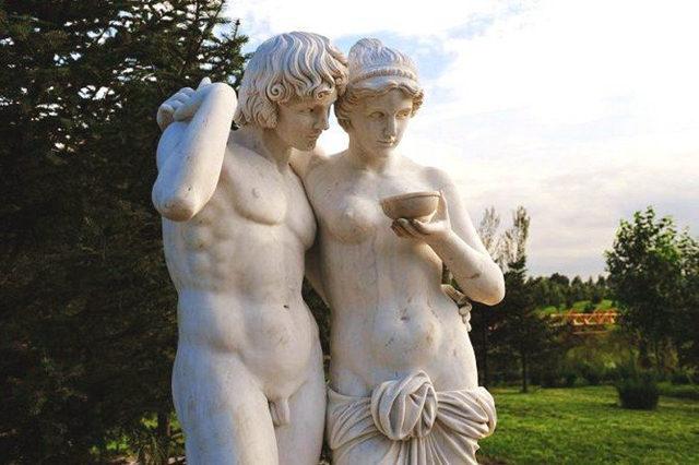 伏尔加庄园充满异域风情的雕塑盛宴