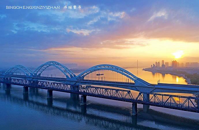 【中东铁路寻迹跨境自驾游】这江,这桥,这座城